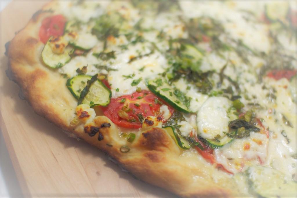 Pizza patate e zucchine: la ricetta estiva per il tuo locale