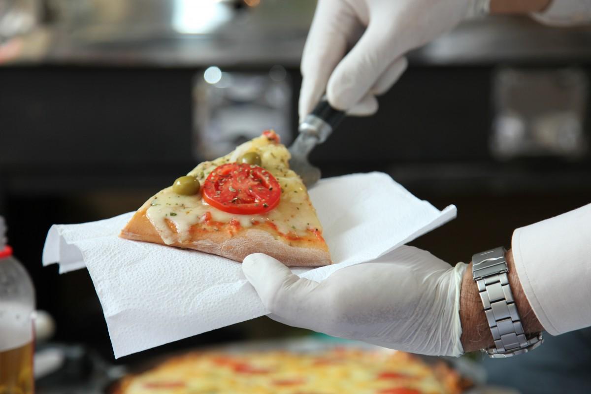 """È """"SOLO"""" UN TRANCIO DI PIZZA"""