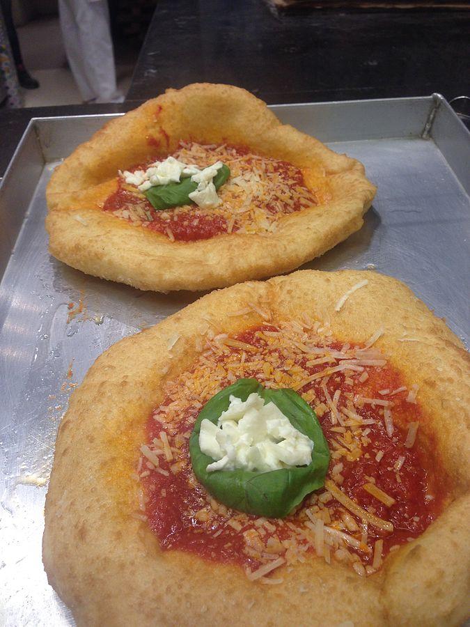 Pizza fritta: ecco cosa c'è da sapere